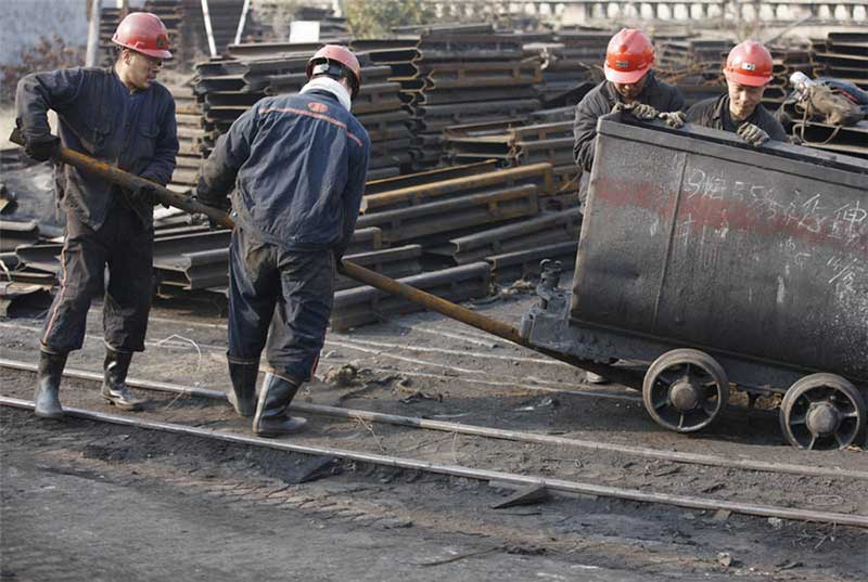 Coal-Workers-China