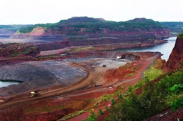 Mesabi Iron Range mining