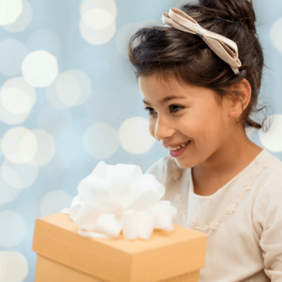 7 Creative Ways to Give Gifts Cards for Christmas