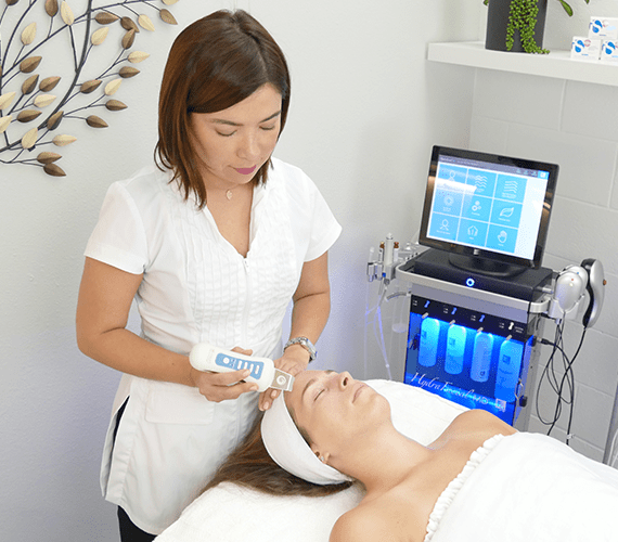 skin-by-carla-microcurrent-facial-los-angeles-skin-care-anti-aging-beverly-hills-west-hollywood