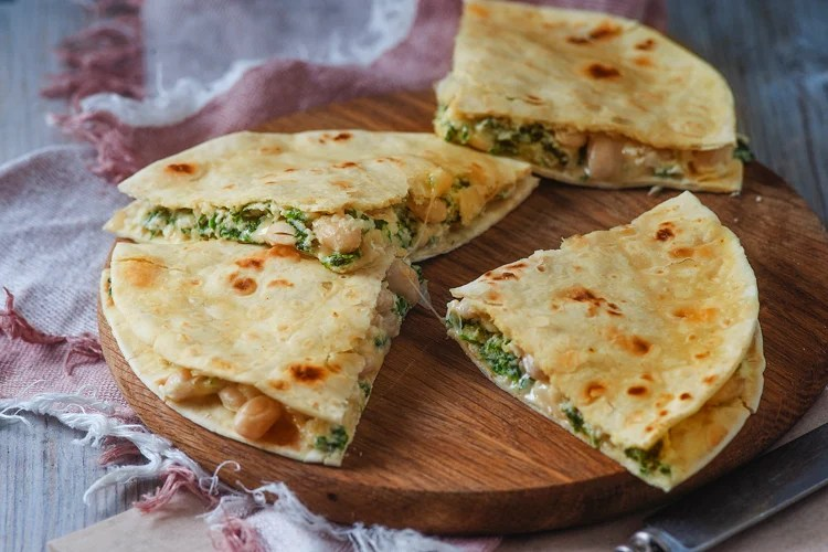 Quesadilla for breakfast with spinach and white beans