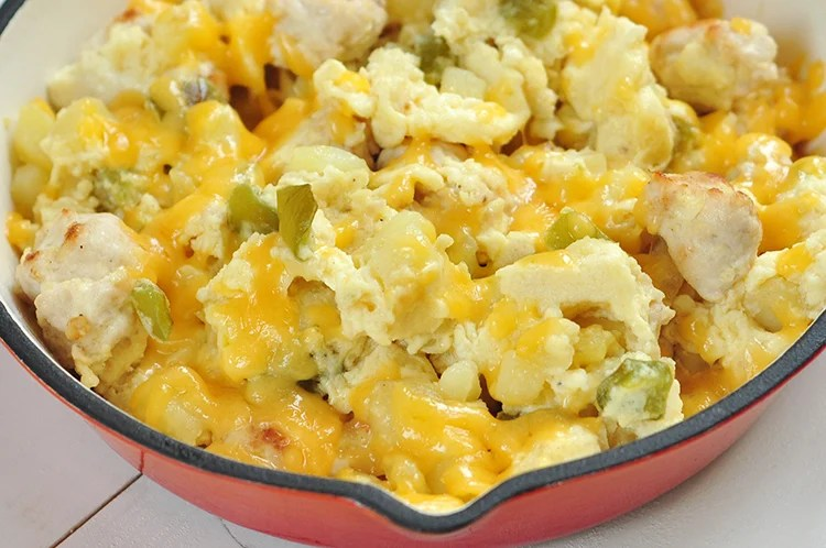 Simple pan potatoes with eggs and turkey sausage