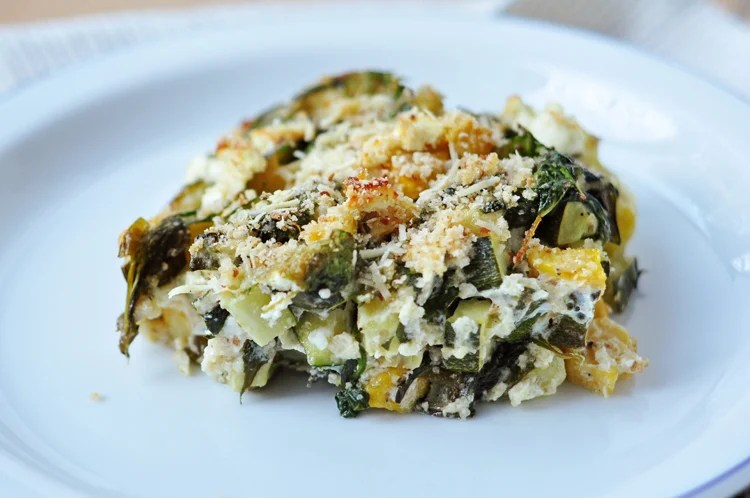 Our baked casserole with zucchini, spinach and feta is full of hearty flavors!