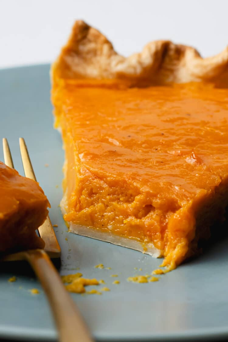 Try this moist and decadent pumpkin pie to round off your vacation meal!
