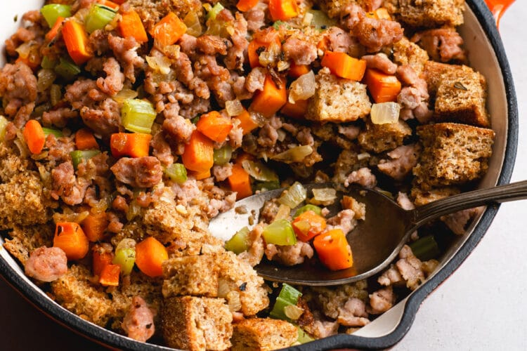 This healthy cast iron filling recipe is made with fresh and delicious ingredients!
