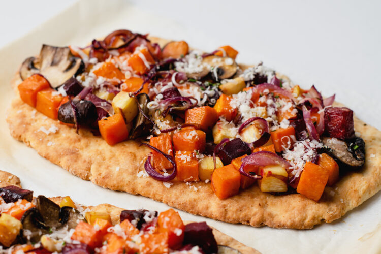 With just a few simple changes of ingredients, you can make this toasted vegetable-based flatbread.