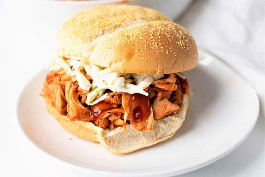 This clean BBQ jackfruit recipe is a vegan option for the delicious kitchen!
