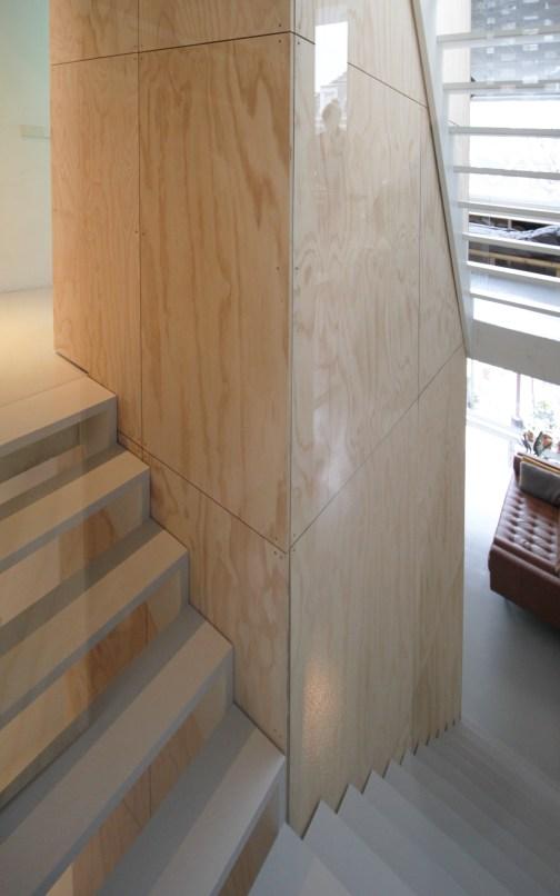 skinnyscar-32-v2-vista-stairs
