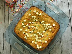 funfetti dump cake