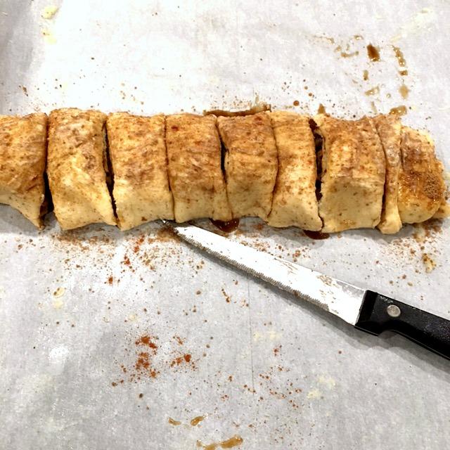 slicing-up-apple-crescent-rolls