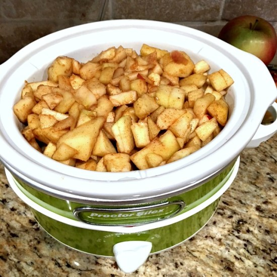slow-cooker-spiced-applesauce