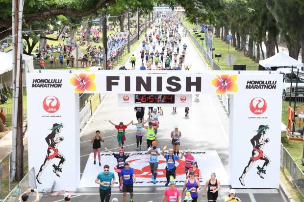 The 15 Best Fall Marathons in the U.S. - Honolulu Marathon in Honolulu, Hawaii