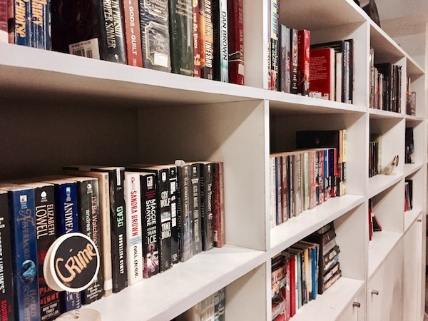 Books & Brews Café: When The Book Worms And Coffee Lovers Meet   Skip The Flip