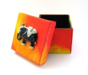 elephant gift box with lid off