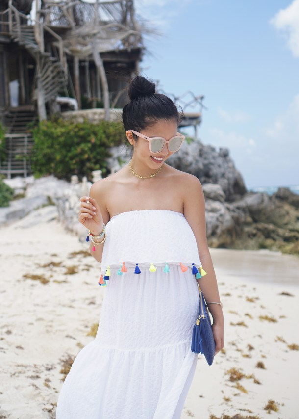 Beach Style / White Maxi Dress with Tassels