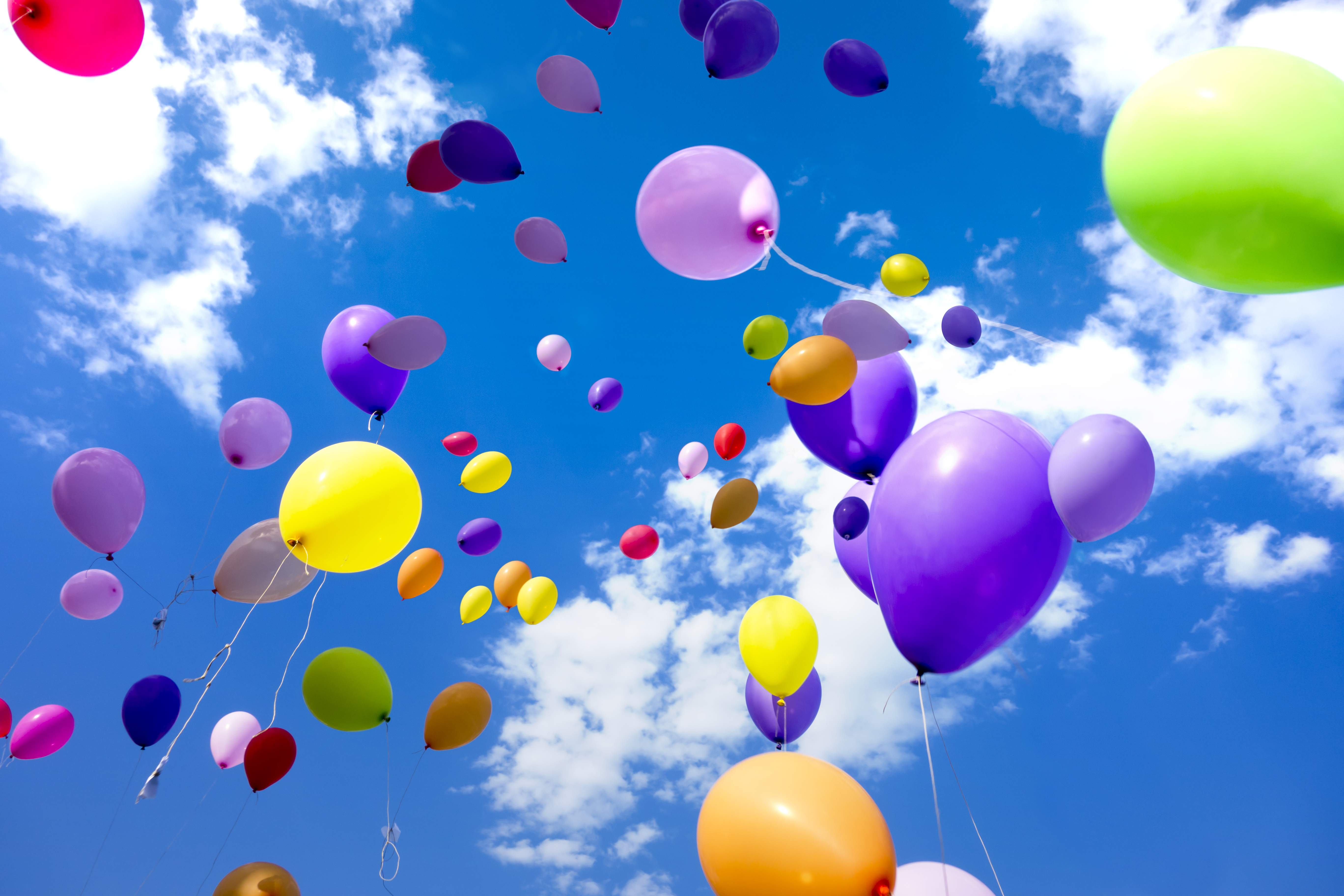 ┬® Libux77 _ Dreamstime.com – Party Balloons Flying Sky Photo