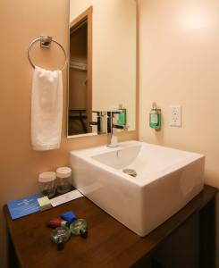 Sink Photo Enlarged