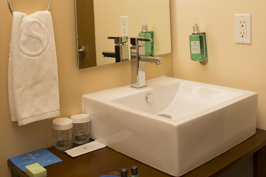 dream-king-bathroom-1