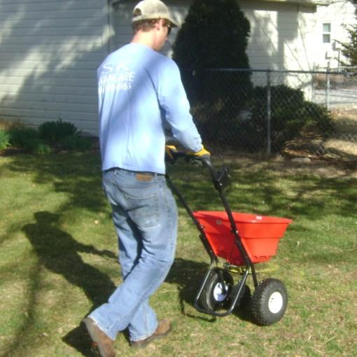 lawn-fertilizer-landscape-contractor-Kansas-City-Overland-Park