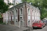 Дом причта церкви Николы Заяицкого в Москве (сер. XVIII в.). Узнаваемый проект на 7 осей. Фото: Михаил Чупринин