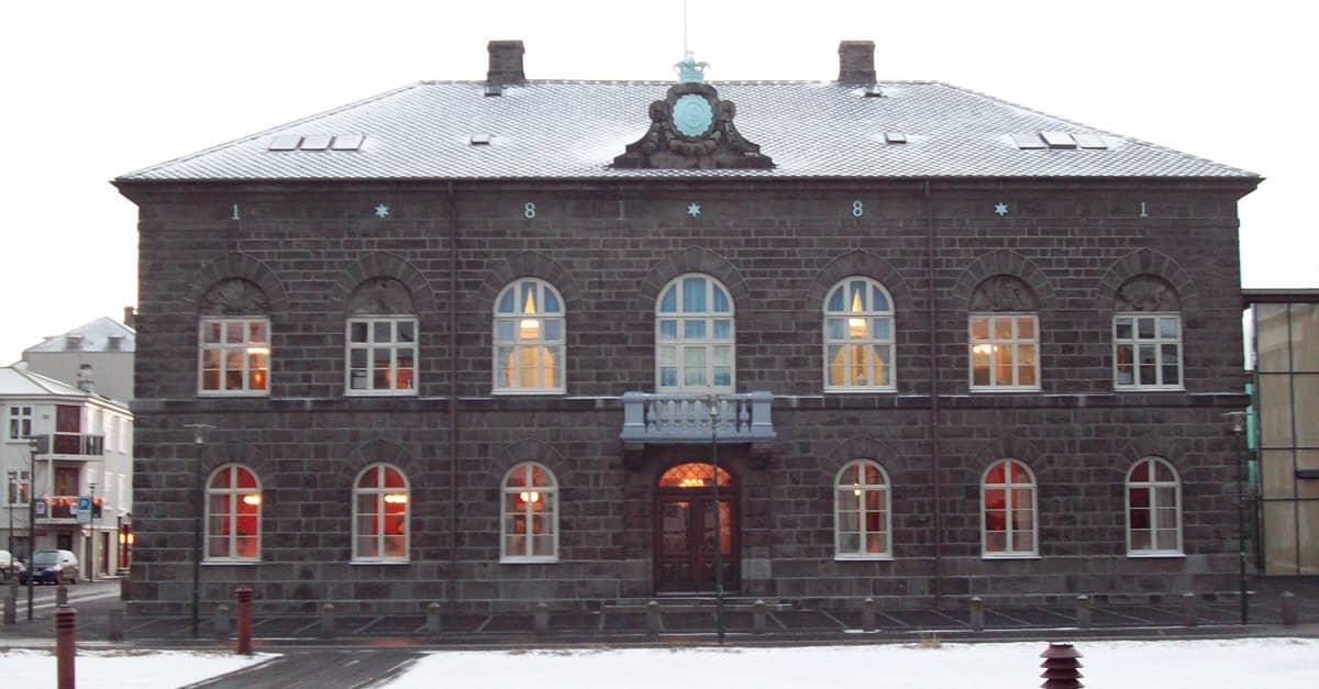 Af hverju er setning Alþingis kirkjuleg athöfn?