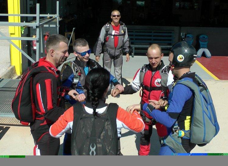 Small FS CAMP Skydive Atmosfera-001.04