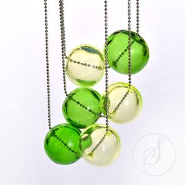 Náhrdelník duté koule zelený