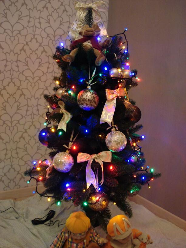 новогодняя елка фарфоровые куклы