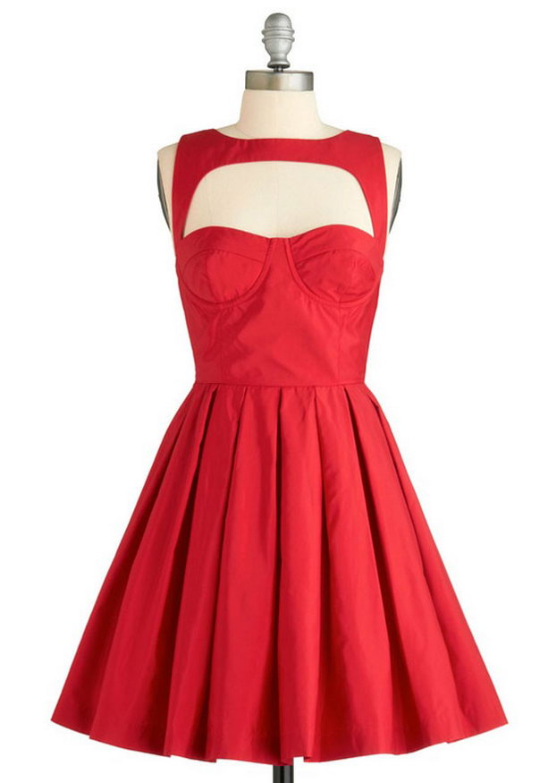 новогоднее платье с декольте