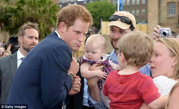 принц Гарри и дети
