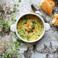 Kminkowa zupa z kalarepą, marchewką i ziemniakami
