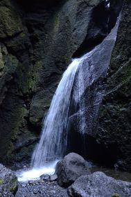 Stakkholtsgjá: Flowing water