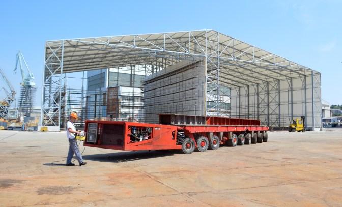 Brodosplitov kapitalni vozni park obogaćen je s dva samohodna modularna transportera. Svaki se sastoji od tri komponente; jedne Power Pack jedinice (PPU) za napajanje, te dvije modularne jedinice sa ukupno 10 osovina (6+4). Transporteri imaju mogućnost raznolikog međusobnog povezivanja. Ukupna nosivost ova dva SPMT transportera je 600 tona, a nabavljeni su za potrebe podizanja i prijevoza tereta težih od 180 tona, kolika je bila dosadašnja najveća nosivost samohodnih transportera u Brodosplitovom vlasništvu.
