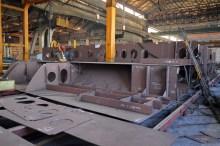 Montaža i zavarivanje polusekcija za Novogradnju 484 na liniji montaže u Brodosplitovoj brodoobradnoj radionici