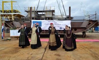 Članovi KUD-a Brodosplit plesom su uveličali obilježavanje izgradnje Novogradnje 484 u Brodosplitu