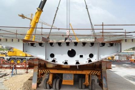 Transport prvog celicnog segmenta za Most Ciovo izgradenog u Brodosplitu (13)