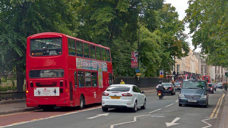 1200px-Traffic_on_Romney_Road_in_Greenwich2C_London