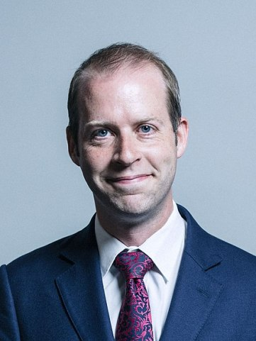440px-Official_portrait_of_Jonathan_Reynolds_crop_2