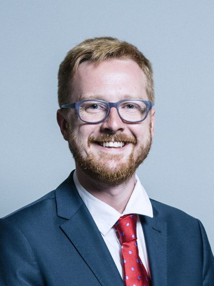 1200px-Official_portrait_of_Lloyd_Russell-Moyle_crop_2