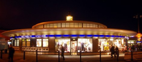 southgate_station_london_n14_-_geograph-org-uk_-_1605783