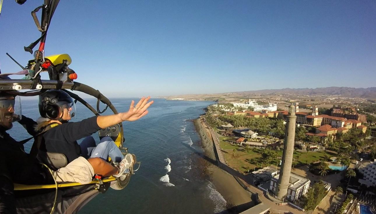 paratrike_paramotor_parapente_paragliding_Maspalomas_Gran_Canaria_lighthouse