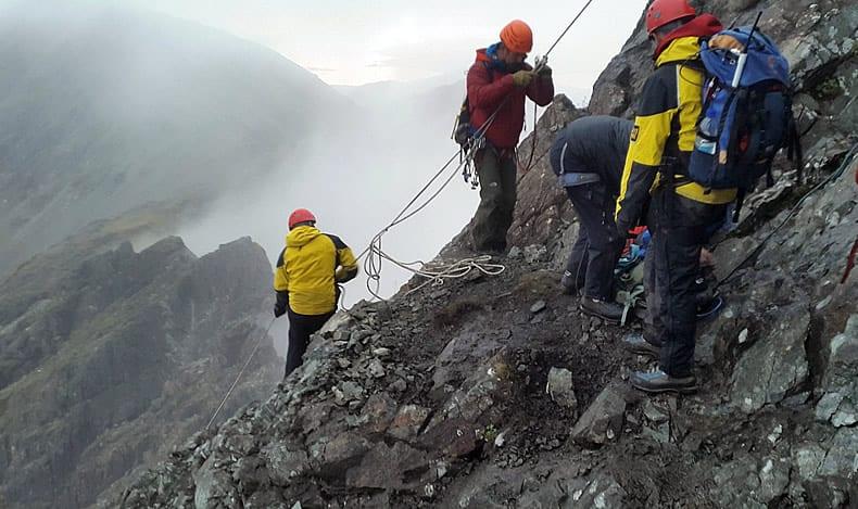 Skye MRT rescuing climber