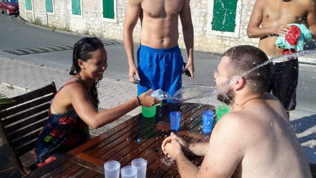 Water Fight Dock Game
