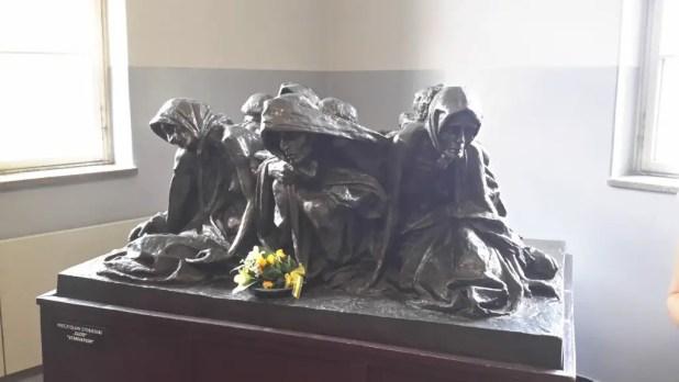 Starvation sculpture