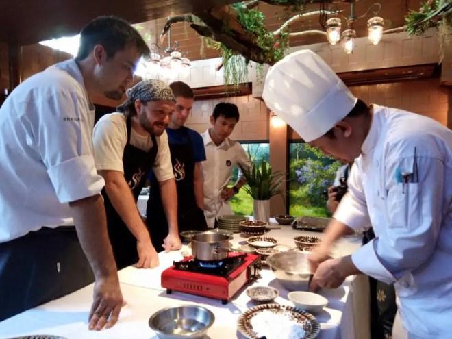 Siam Wisdom Iron Chef Demonstrating Meals