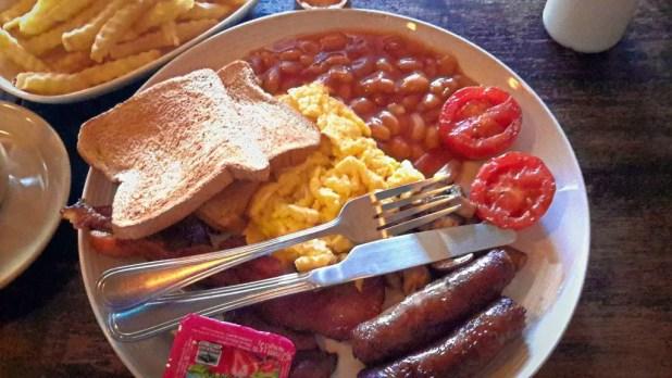 English Breakfast at BeBeez Cafe