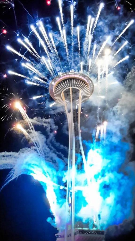 Seattle Space Needle NYE 2016