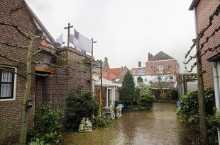 Middelburg Housing (Unusual Construction Materials)