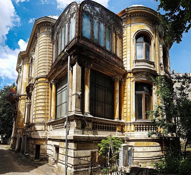 Macca House