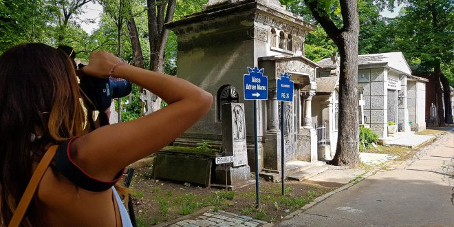 Maria Photographing Bellu Cemetery